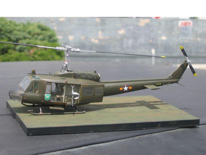 Bell uh-1d Train d/'atterrissage très élevé